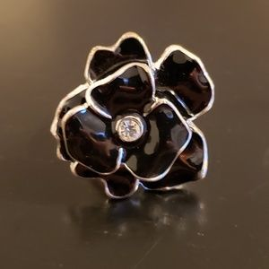 💕Black and Silver Flower Fashion Ring